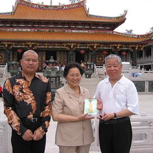 全國人大副委員長何魯麗到訪天后宮